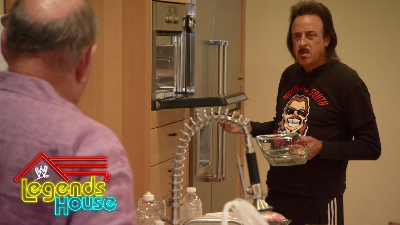 When dinner plans fall through, the Legends get riled up: WWE Legends' House, April 24, 2014