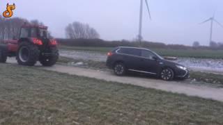 Pomoc drogowa w wiejskim stylu! Czyli jak rozwalić auto podczas wyciągania z rowu!