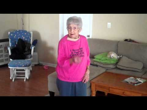 97 year old Granny dancing to Just Dance 2 - HOT STUFF!