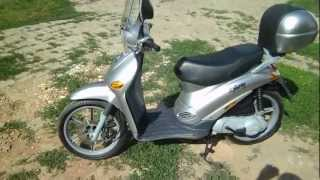 8. Piaggio Liberty 50 2T 1998 Start and Rev Part 1.