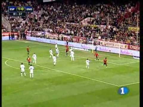 España Inglaterra, Segundo gol de Llorente