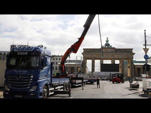 Am Brandenburger Tor: Die größte Fanmeile Deutschla ...