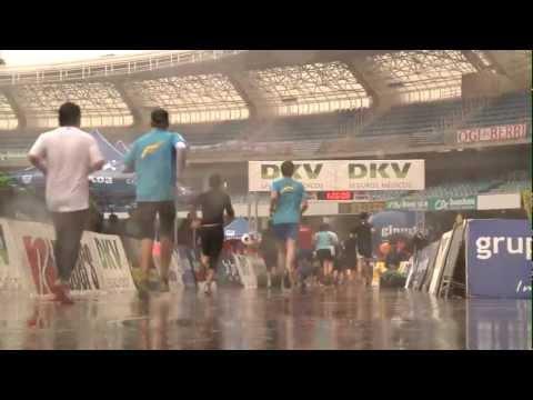 Corriendo bajo la lluvia en la Clásica 15km San Sebastián!! Disfruta de bonitas imágenes y clip