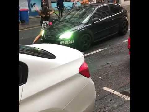 Αφιονισμένος οδηγός παρασύρει πεζό στο Νιούκαστλ