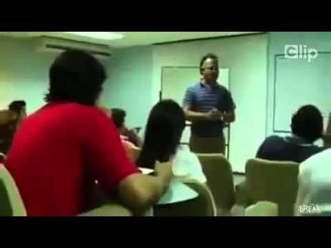 [Clip] Này thì thích ghẹo gái trong lớp học :)))