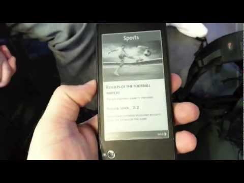 Yota Phone - smartfon z dodatkowym ekranem e-ink - hands-on