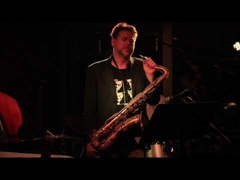 Tomáš Hobzek Quartet - Nahoru (Marcel Bárta)