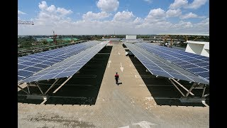 These small, affordable solar systems are helping Kenyans living off the grid get the power they need. ----- Subscribe to CNBC International: http://cnb.cx/2gft82z ...