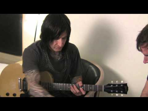 Richard Fortus of Guns N' Roses makes a Shaker Vibrato Toneprint