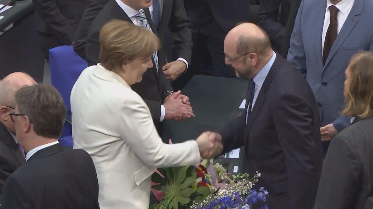 Η Άγγελα Μέρκελ εξελέγη καγκελάριος της Γερμανίας για τέταρτη φορά