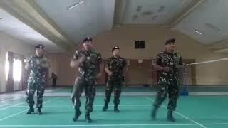 Tarian Tobelo ala TNI, keren abisss