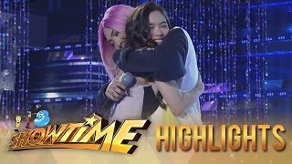 Video It's Showtime: Vice Ganda and Jackque Gonzaga share a hug MP3, 3GP, MP4, WEBM, AVI, FLV Mei 2018