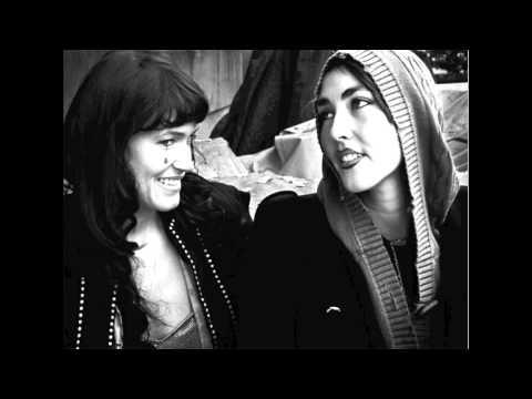 Tekst piosenki CocoRosie - Coyle School po polsku