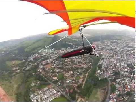 Cizão voando em  Pedra Grande Atibaia São paulo Brasil 08-05-14