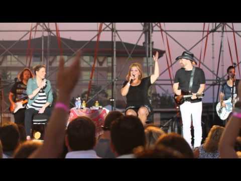 Taya Lear Singing with Sugarland in Mt Pleasant, MI 8/5/12