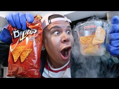 Liquid Nitrogen VS. Potato Chips! *YOU WON'T BELIEVE WHAT HAPPENS* (видео)