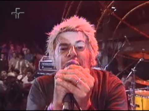 U.K. SUBS – Emotional Blackmail (Live)
