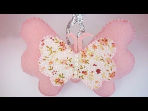 un'adorabile farfalla realizzata in feltro
