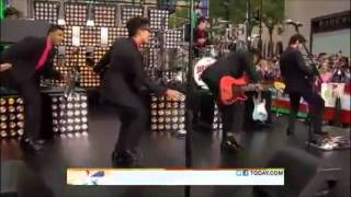 Video Bruno Mars's amazing dance moves download in MP3, 3GP, MP4, WEBM, AVI, FLV January 2017