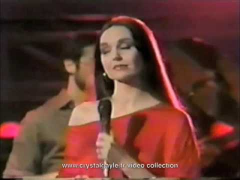 Tekst piosenki Crystal Gayle - Turning away po polsku