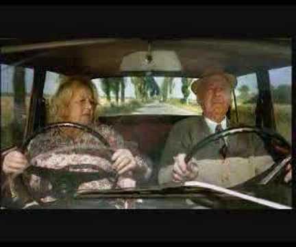 Boah, was für ne coole Oma, Echt... - Also, so eine Oma wünsche ich mir! Ich habe mich echt schlapp gelacht! Vor allem der Blick der alten Dame! Völlig cool und...