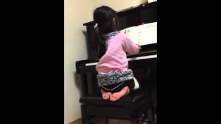 ピアノの練習風景。パンダの子守唄、まねっこ