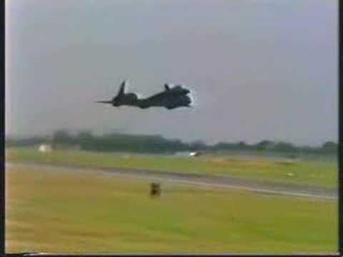 SR - Some awesome footage of the SR-71 at the RIAT in England Including a low fast pass with afterburners !! Awesome stuff !! :) Copyright as stated,