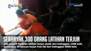 Video 300 Paskhas dan Atlet Penerjun Payung Latihan di Lanud Sultan Hasanuddin MP3, 3GP, MP4, WEBM, AVI, FLV Desember 2017