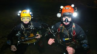 Video Meet the British divers helping craft a plan in the Thailand cave rescue MP3, 3GP, MP4, WEBM, AVI, FLV Juli 2018