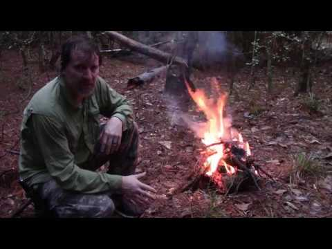 Making Fire In The Rain Using Natural Materials