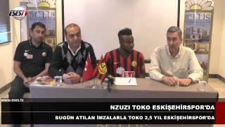 Nzuzi Bundebele Toko bugün atılan imzalarla 2,5 yıllığına takımımıza katıldı. Antalya kampımızın devam ettiği otelde Başkan Vekili Ahmet Yalçın ve Teknik Asb...