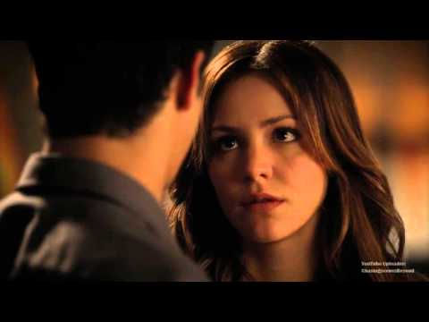 Scorpion 2x01: Walter and Paige #3 (First kiss scene)