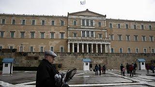 Yunan hükümeti gecikmeli raporunu Avrupa Birliği'ne sunuyor