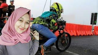 Video HEBUOHH Cewek Berhijab ikut Balapan Drag Bike Resmi Tulungagung Satria FU MP3, 3GP, MP4, WEBM, AVI, FLV Mei 2017