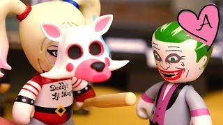 Harley Quinn deja a Guason por DeadShot en Five Nights at Freddy's   Muñecas y juguetes con Andre