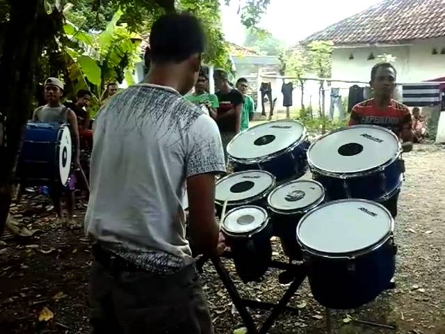 Latihan drumband mawar di tangan melati dip for Il divo amazing grace mp3