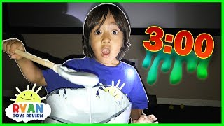 Video Ryan makes Fluffy Slime! MP3, 3GP, MP4, WEBM, AVI, FLV Mei 2018
