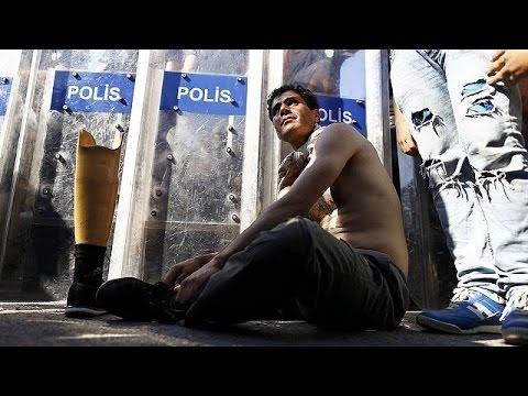 Τουρκία: Συνάντηση Νταβούτογλου με Σύρους πρόσφυγες