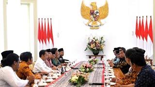 Video Menerima Pimpinan Forum Betawi Rempug, Istana Bogor, 18 Maret 2019 MP3, 3GP, MP4, WEBM, AVI, FLV Maret 2019