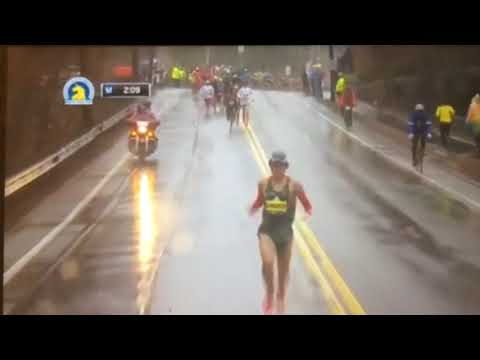 Yuki Kawauchi at the start of the Boston Marathon