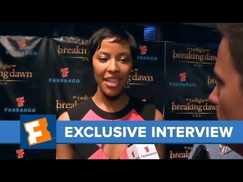 Fandango -- Exclusive: Tracey Heggins -- Comic-Con 2012 Interview