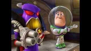 Bonnie przynosi do domu zmniejszonego Buzza. Co się stało z prawdziwym astronautą? Czy przyjaciele go odnajdą? Zobaczcie!