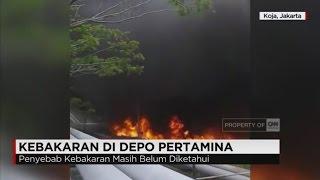 Sebuah pipa tangki memuat bahan bakar minyak, terbakar, di objek lingkungan Depo Pertamina Koja, di Jalan Deli Lagoa, Koja, Jakarta Utara, Kamis siang. Penyebab pasti kebakaran belum diketahui, karena pertamina menutup akses ke lokasi kebakaran. Namun, kebakaran sempat membuat panik warga sekitar.Ikuti berita terbaru di tahun 2017 dengan kemasan internasional berbahasa Indonesia, dan jangan ketinggalan breaking news 2017 dengan berita terakhir dan live report CNN Indonesia di www.cnnindonesia.com dan channel CNN Indonesia di Transvision.