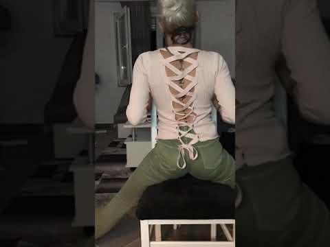 Fansja e zjarrtë bën tatuazh fytyrën e Noizyt (Video)