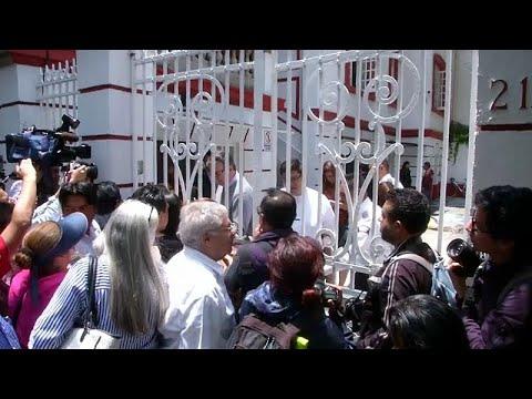 Mexico: Schlangestehen für Audienz beim zukünftigen P ...