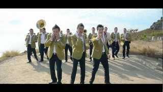 video y letra de Justo a Tiempo por German Lizárraga y su banda estrellas de Sinaloa