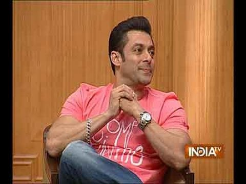 SALMAN - Watch Bollywood star Salman Khan accompanied with brother Sohail Khan walked out of the dock in Rajat Sharma's Aap Ki Adalat dance on the Adalat floor with t...
