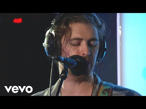 Hozier - Lay Me Down (Sam Smith cover in the Live Lounge) (видео)