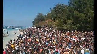 Video Detik-detik 1.000 Wisatawan Dievakuasi dari Gili Trawangan MP3, 3GP, MP4, WEBM, AVI, FLV Agustus 2018