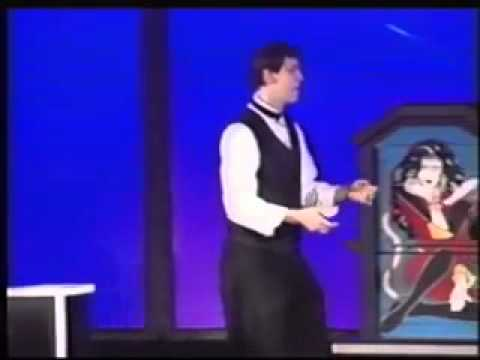MARK ROBINSON - Comedy Magician Video